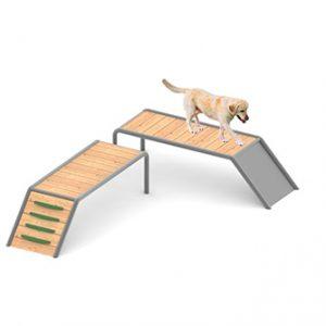 מתקן מאתגר לטיפוס וגלישה לכלבים, פיברן מומחים בפיתוח גינות כלבים